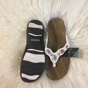 18c9956cb49f Vionic Shoes - Vionic Eve white size 8 sandal new